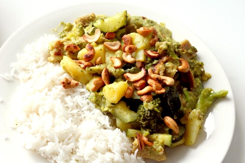 Recept groene curry met courgette, aardappel en 'kip'
