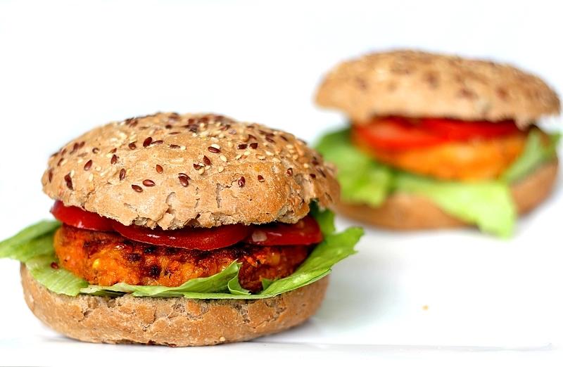 recept-kikkererwtenburgers-met-wortel-en-mais