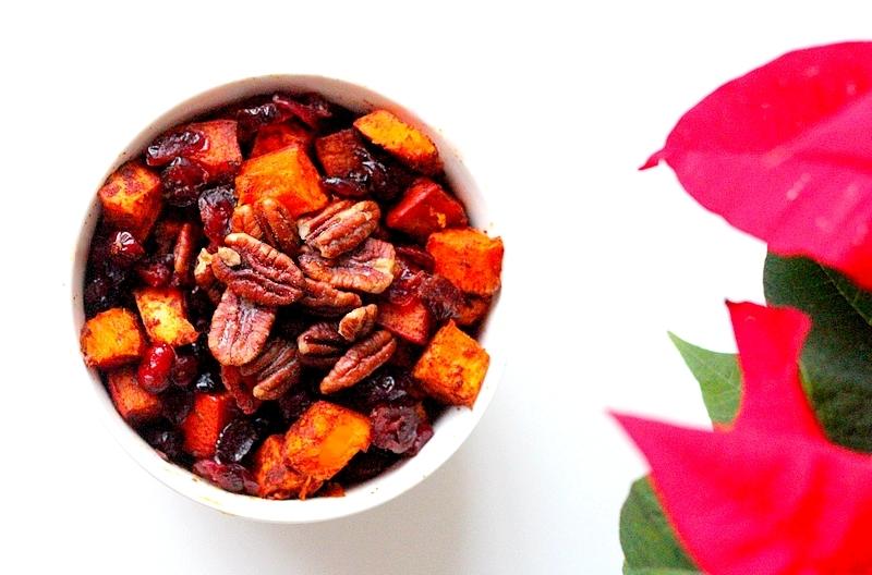 Kerstrecept vegan geroosterde pompoen met cranberry's en pecannoten bijgerecht