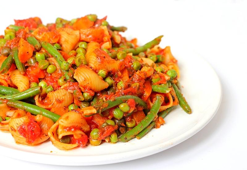 Recept budget vegan eenpanspasta met groenten