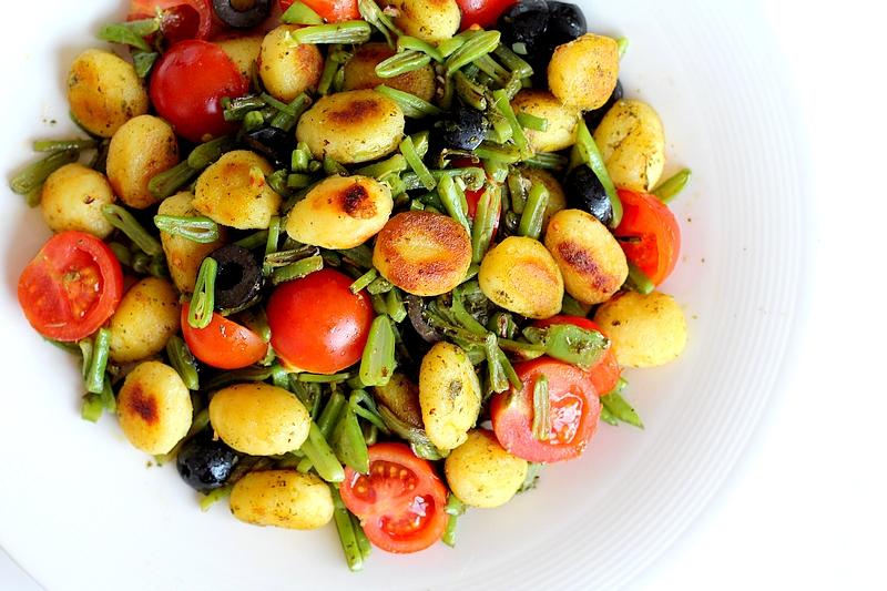 Recept vegan gnocchi met pesto en snijbonen
