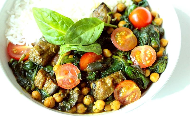 Recept vegan auberginecurry met spinazie en kikkererwten