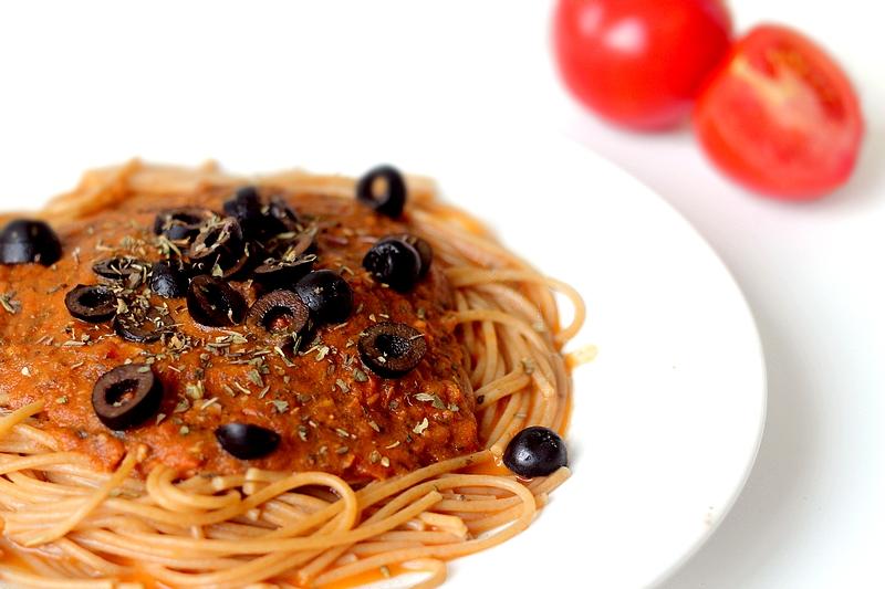 Recept makkelijk zelf pastasaus maken tomatensaus